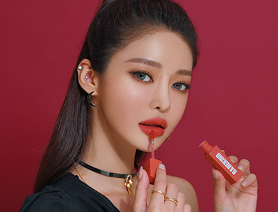 FALLING IN COLORS