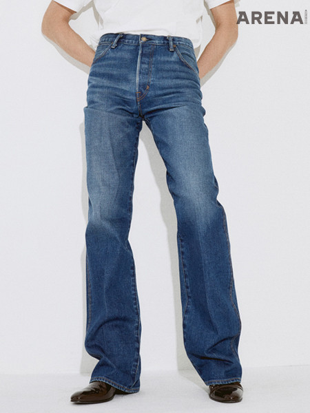 밑위가 긴 부츠컷 데님 팬츠 가격미정 톰포드 제품.
