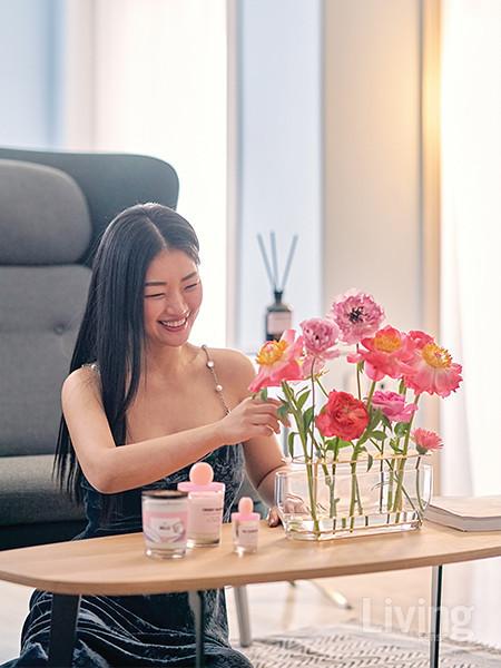 좋은 향기를 만들다 보니 절로 예쁘고 좋은 것들을 접하게 돼 행복하다는 김수향 대표.